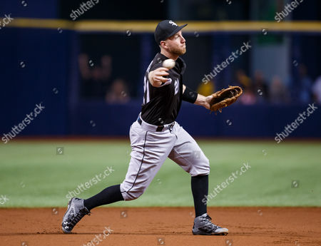 Chicago White Sox third baseman Todd Frazier (21) throws out Tampa Bay Rays third baseman Evan Longoria (3) in the 1st inning in the game between the White Sox and the Rays at Tropicana Field, St. Petersburg, Florida, USA