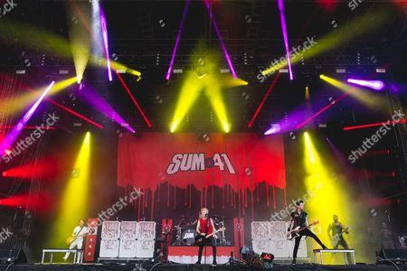 Sum 41 - Deryck Whibley, Dave Baksh, Jason McCaslin, Tom Thacker