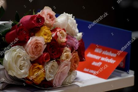 Flowers lay on table of a delegate during the party convention in the German state of North Rhine-Westphalia, western Germany, 10 June 2017. During the one-day meeting, the delegates are expected to elect new regional leader for the SPD in North Rhine-Westphalia. Mike Groschek is candidate for new SPD's leader in North Rhine-Westphalia. SPD's election defeat on 14 May 2017 led to the resignation of party leader Hannelore Kraft.