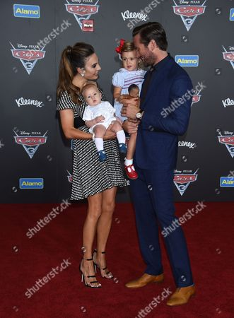 Elizabeth Chambers and Armie Hammer and Children Harper Grace Hammer and Ford Hammer