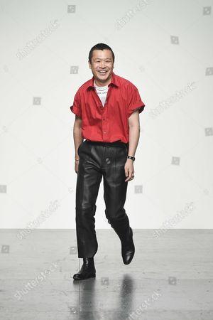 Arashi Yanagawa on the catwalk