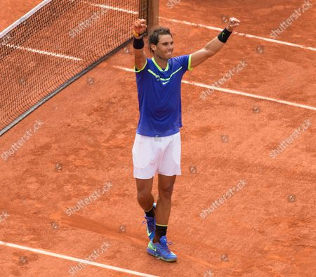 Spain's Rafael Nadal Celebrates after he  beats Stanislav Wawrinka in straight sets to win his 10th French Open Singles Title