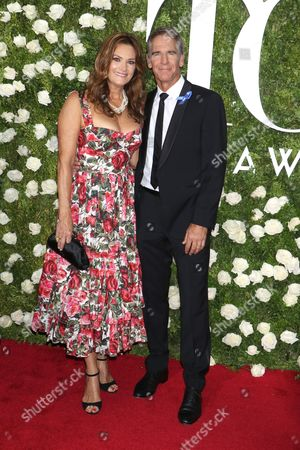 Stock Picture of Chelsea Field and Scott Bakula