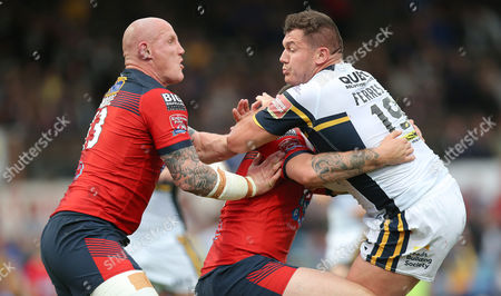 Leeds BRETT FERRES IS CAUGHT BY Rovers BRAD TAGG AND Rovers RICHARD MOORE Pix Magi Haroun 16.06.2017 RUGBY LEAGUE  CHALLENGE CUP 1/4 FINAL LEEDS RHINOS V FEATHERSTONE ROVERS