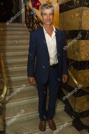 Richard Trinder (Sam)