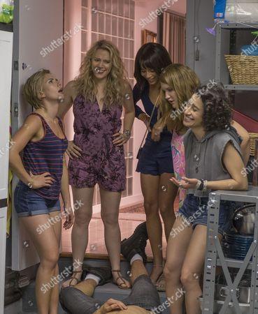 Stock Photo of Scarlett Johansson, Kate McKinnon, Zoe Kravitz, Jillian Bell, Illana Glazer