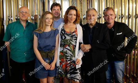 """Conductor Zubin Mehta, second from right, poses with singers Cornelius Obonya, right, Lenneke Ruiten, center, Mauro Peter, Sabine Devieilhe and TV director Mattie Testi, left, following a press conference presenting Wolfgang Amadeus Mozart's opera """"Die Entfuehrung aus dem Serail"""", at the Teatro alla Scala opera house, in Milan, Italy, . La Scala is presenting the opera by recreating its original scenography from its 1965 showing, which Mehta himself conducted at the Salzburg Festival at the age of 29, from June 17, 2017 until July 1, 2017"""