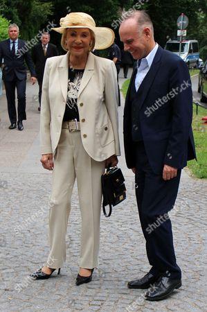 Dagmar Berghoff mit Begleitung