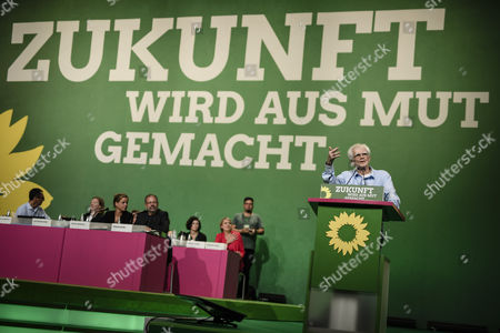 The Parliamentarian Hans-Christian Stroebele speaks during the Delegate Conference of the German Alliance 90/The Greens (Buendnis 90/Die Gruenen) Party at the Velodrom in Berlin, Germany, 16 June 2017. The German Alliance 90/The Greens (Buendnis 90/Die Gruenen) Party is having it's 41st Federal Delegate Conference from 16 to 18 June 2017 in Berlin.