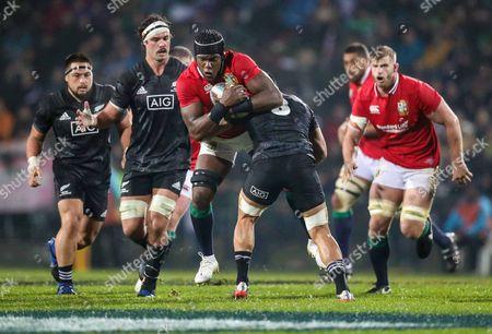 Maori All Blacks vs British & Irish Lions. Lions' Maro Itoje with Liam Messam of the Maori All Blacks