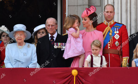 Princess Eugenie, HRH Queen Elizabeth II, Princess Beatrice, Prince Philip Prince Philip, Catherine Duchess of Cambridge, Princess Charlotte, Prince George, Prince William