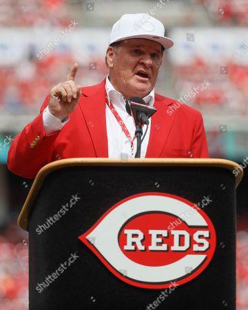 Former Cincinnati Reds player Pete Rose speaks during his statue dedication ceremonies before a baseball game between the Cincinnati Reds and the Los Angeles Dodgers, in Cincinnati