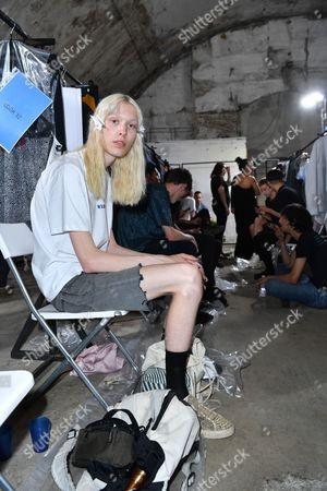 Model backstage