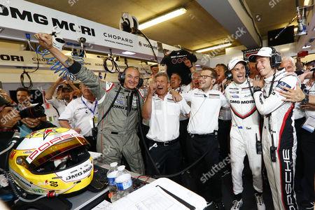 Amiel Lindesay (Crew Chief), Fritz Enzinger (Leiter LMP1), Andreas Seidl (Teamchef Porsche Team), Porsche LMP Team: Earl Bamber, Brendon Hartley (l-r)  Motorsports: 24 Hours of Le Mans on June, 2017