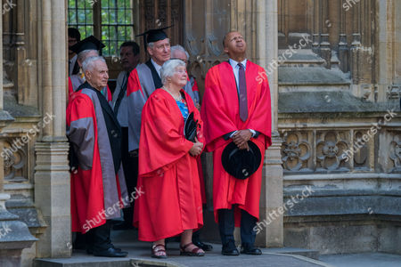 Shirley Williams (centre) and Frank Gehry (left), Bryan A Stevenson (right)
