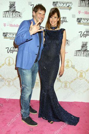 Stock Picture of Alexei Yashin, Carol Alt