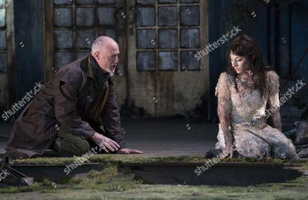 Paul Gay as Golaud, Andrea Carroll as Melisande