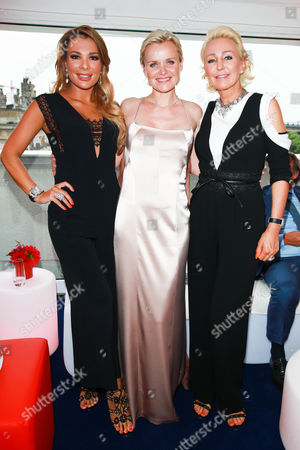 Chiara Ohoven mit Schwester Claudia Jerger (r) and Barbara Sturm (m)
