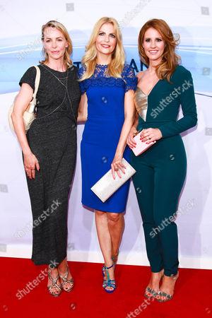 Stock Image of Simone Hanselmann, Tanja Buelter and Mareile Hoeppner