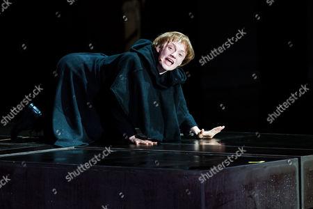 Janina Stopper (als Luther - Der Verzweifelte)