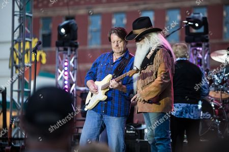 William Lee Golden and Roger Eaton of the Oak Ridge Boys performs on Main Street to a crowd of 8,000 fans