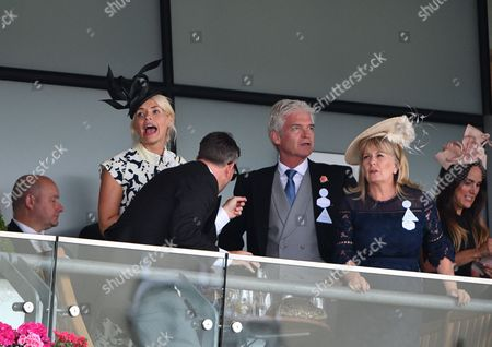 Stock Picture of Holly Willoughby, Phillip Schofield, Stephanie Lowe, Elle Caring, Daniel Baldwin