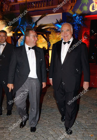 Editorial picture of Helmut Kohl and Klaus Schunk attend Ball of the Stars Caribbean Night, Mannheimer Rosengarten concert hall, Mannheim, Germany - 20 Oct 2002