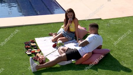 Amber Davies and Simon Searles date - Series 3, Episode 19