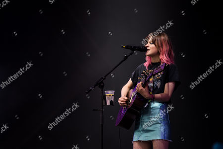 Gabrielle Aplin performing on the Other Stage