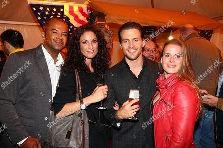 Melanie Klaws mit ihrem Verlobten and Alexander Klaws mit Nadja Scheiwiller