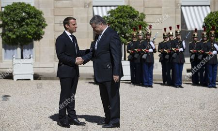 Petro Porochenko and Emmanuel Macron
