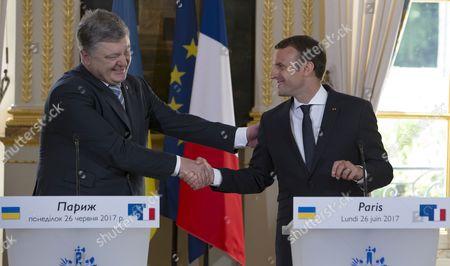 Emmanuel Macron and Petro Porochenko