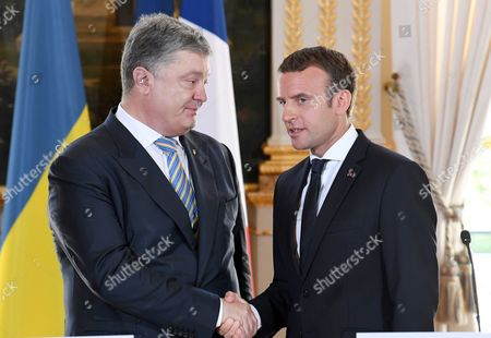 Petro Poroshenko and Emmanuel Macron