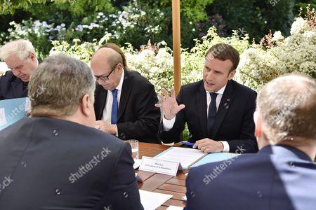 Emmanuel Macron and Petro Poroshenko