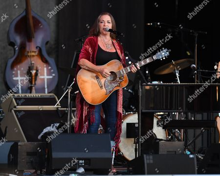 Editorial image of Carlene Carter in concert, The Mizner Park Amphitheatre, Boca Raton, USA - 25 Jun 2017