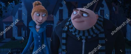 Lucy (Kristen Wiig) and Gru (Steve Carell)