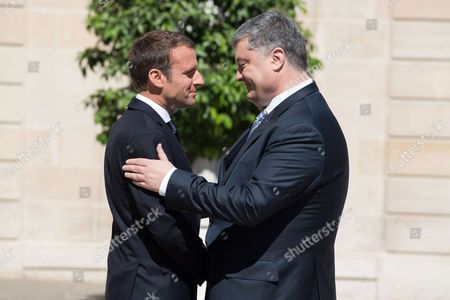 Stock Image of French President Emmanuel Macron meets the Ukrainian President Petro Poroshenko at Elysee Palace