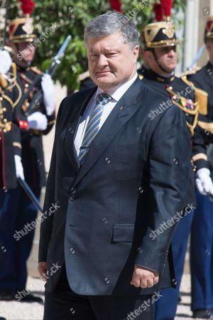 Ukrainian President Petro Poroshenko at Elysee Palace