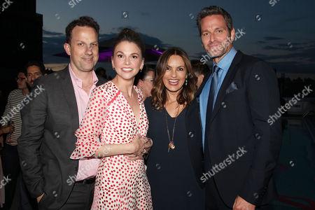 Ted Griffin, Sutton Foster, Mariska Hargitay and Peter Hermann