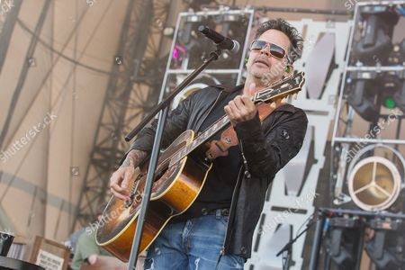 Stock Picture of Gary Allan