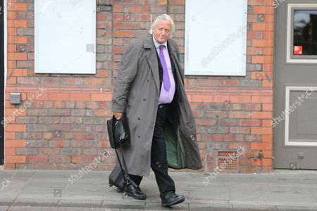 Michael Mansfield leaves Parr Hall