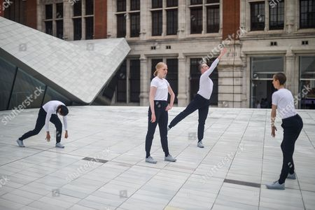 Stock Image of Julie Cunningham & Company perform in the Sackler Courtyard at the V&A Museum