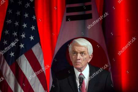 U.S. Chamber of Commerce President Thomas Donohue speaks at a dinner hosted by the U.S. Chamber of Commerce and the South Korean Chamber of Commerce for South Korean President Moon Jae-in, in Washington