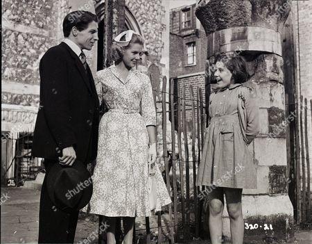 Lyndon Brook (Charles), Susan Beaumont (Liz), June Archer (Lovejoy Mason)