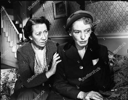 Flora Robson (Olivia Chesney), Catherine Lacey (Angela Chesney)