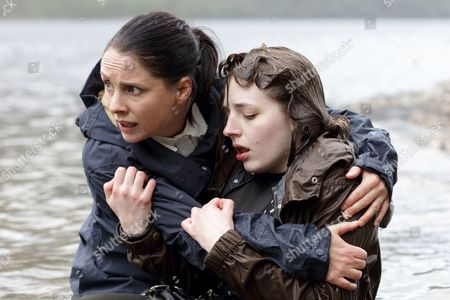 (Episode 6) - Laura Fraser as Annie Redford and Shona McHugh as Evie Redford.