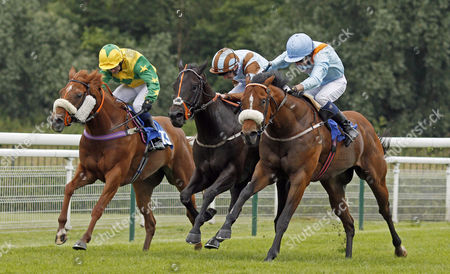Stock Image of ZAPPER CASS (centre, Josh Doyle) beats LEXINGTON TIMES (right) and SOCIALITES RED (left) in The 32Red Handicap Nottingham