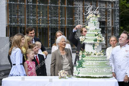 Queen Paola, Princess Elisabeth, Prince Emmanuel, Prince Gabriel, Princess Eleonore, Prince Amedeo, Princess Anna Astrid, Elisabetta Rosbosch von Wolkenstein, Princess Louise, Prince Aymeric, Prince Nicolas and Princess Luisa Maria