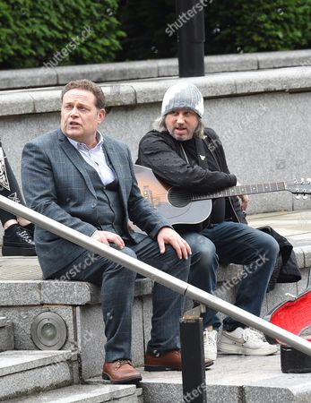 Damon Gough (Badly Drawn Boy) makes a cameo in Cold Feet, he is pictured with John Thomson