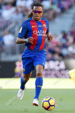Edgar Davids of FC Barcelona Legends.